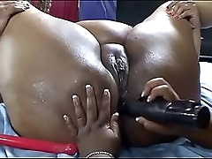 Two black BBW whores use..
