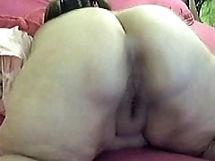 Gaped Tooth SSBBW Claps Her..